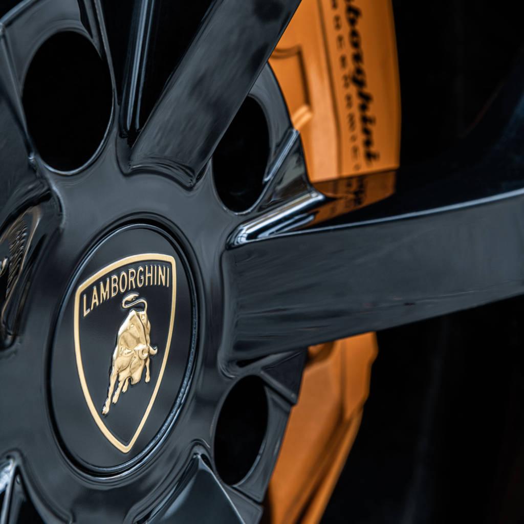 Lamborghini Urus 01
